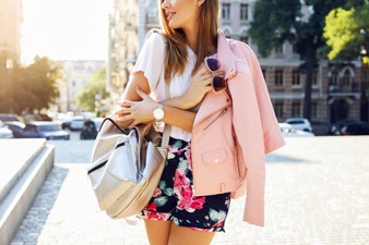 Få en god sommer med en smuk Sofie Schnoor nederdel